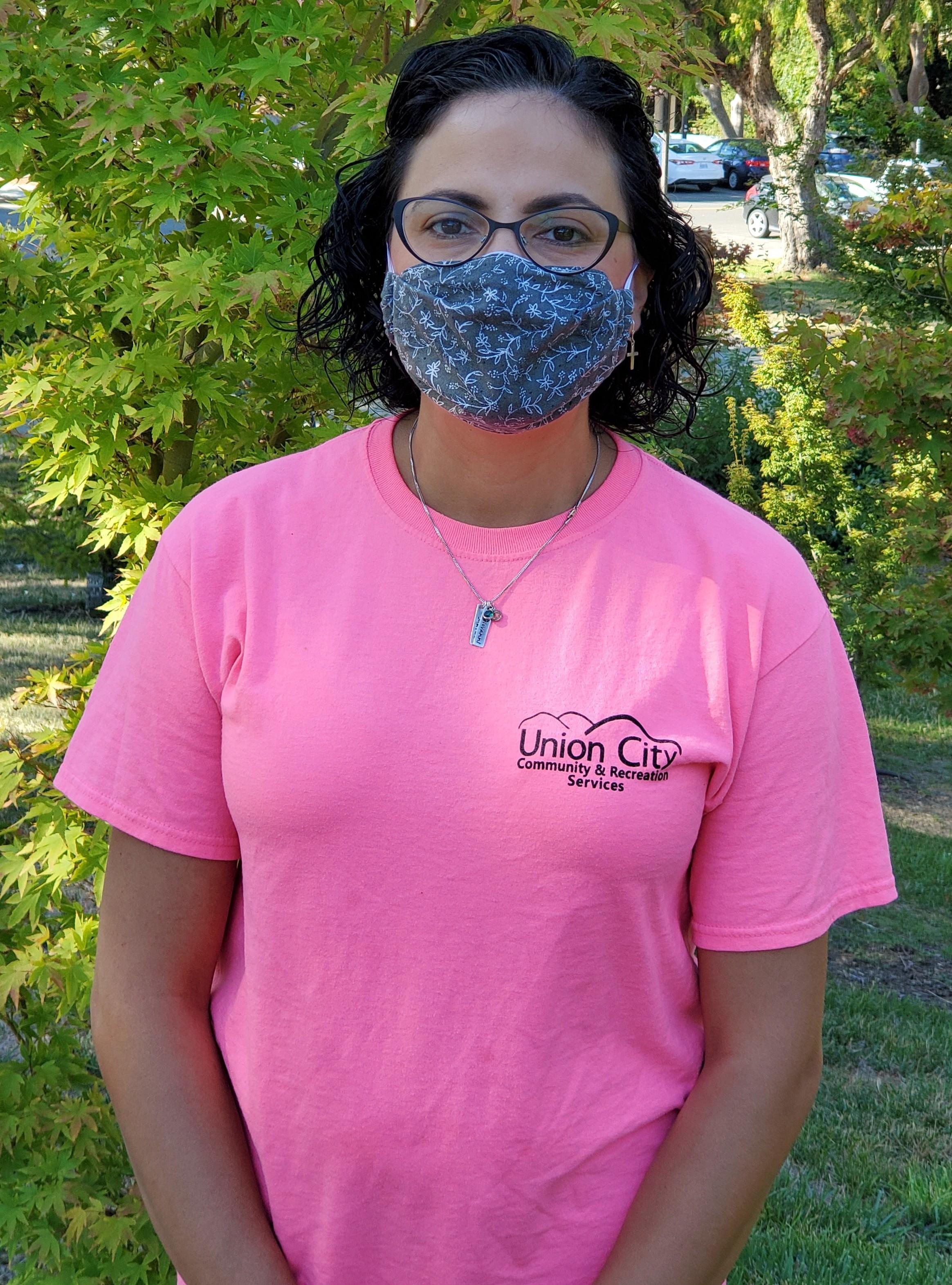 woman wearing mask3
